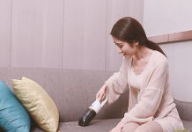 Kärcher compact handheld vacuum